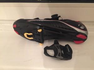 Rennrad-Schuhe und Pedale