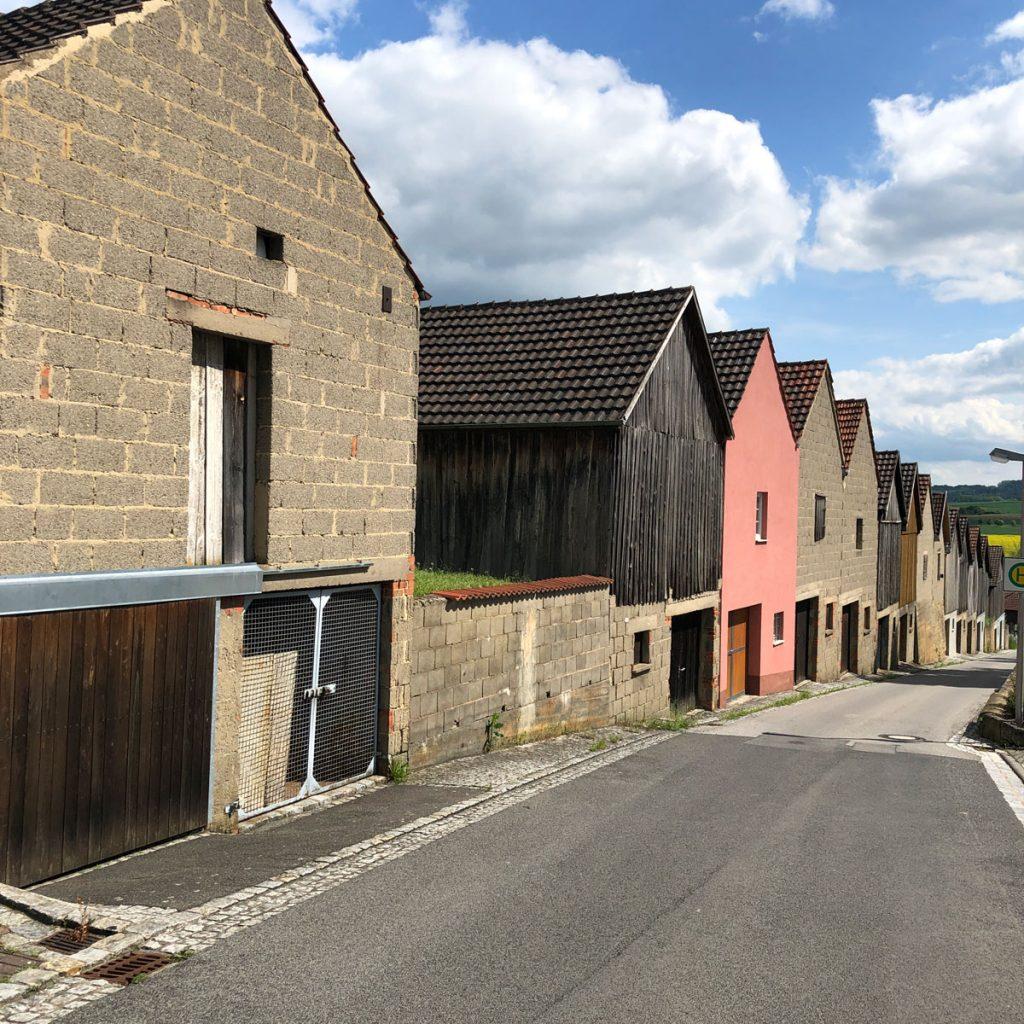 Immer wieder interessante kleine Dörfer
