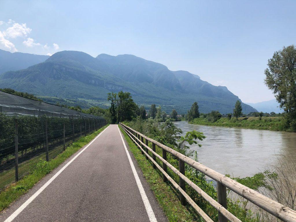 Immer am Fluss entlang