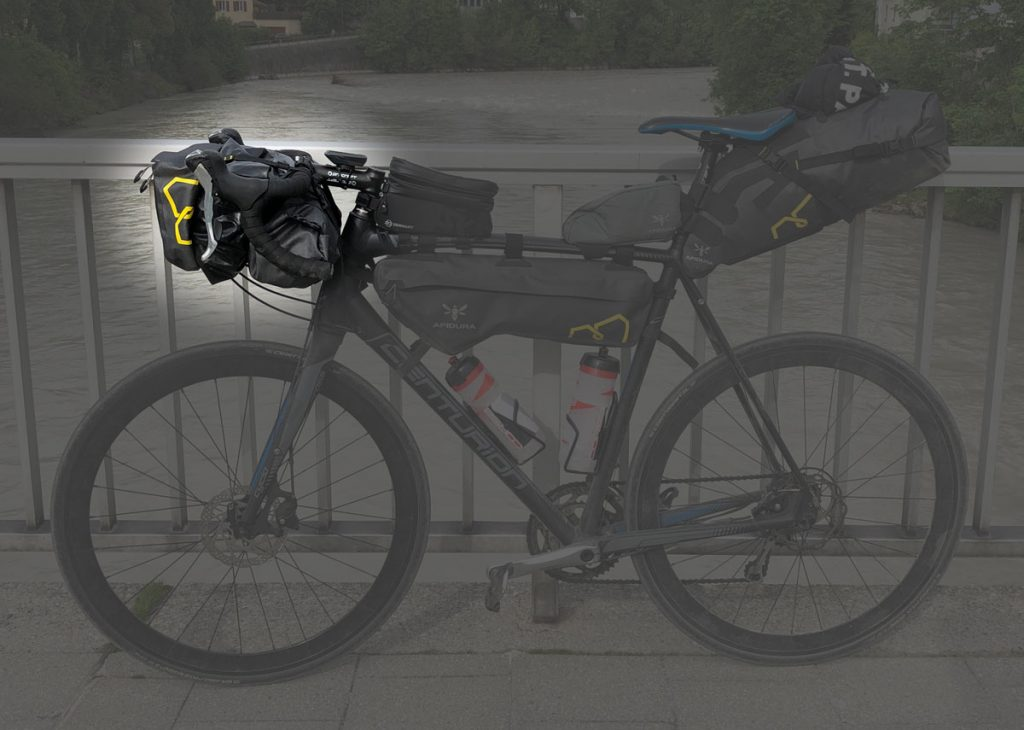 Apidura Handlebar Pack & Accessory Pocket