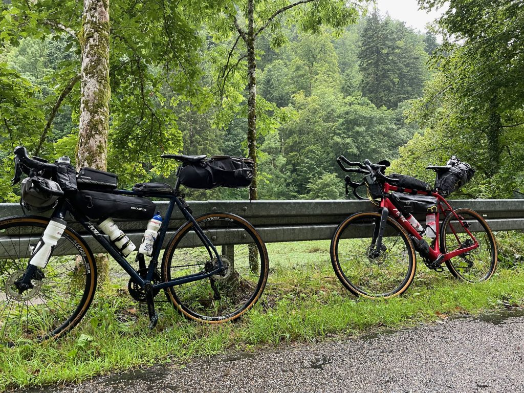 Gravel Bikes - Nass und schmutzig