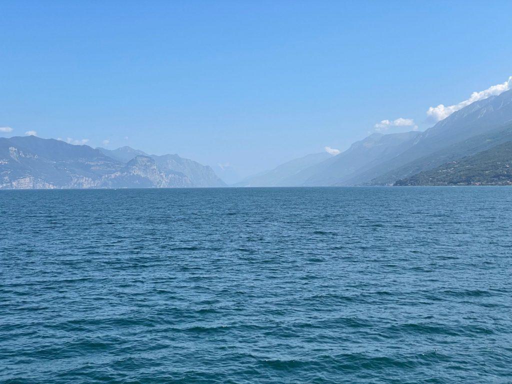 Blick von der Fähre Richtung Riva
